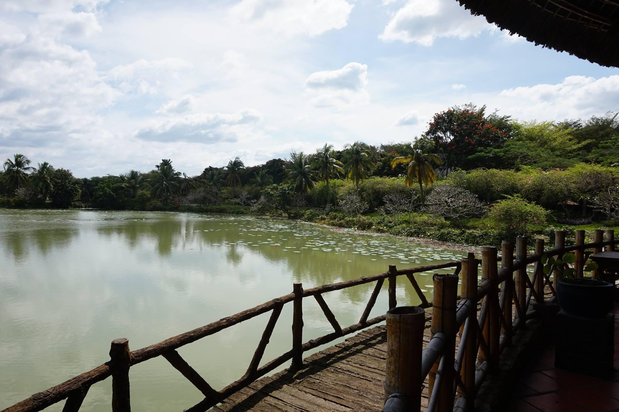 Hồ nước tại làng Fosaco