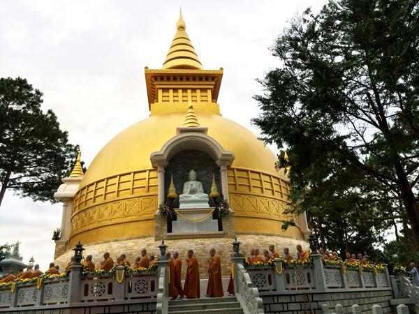 Bảo tháp thiền viện Trúc Lâm Đà Lạt