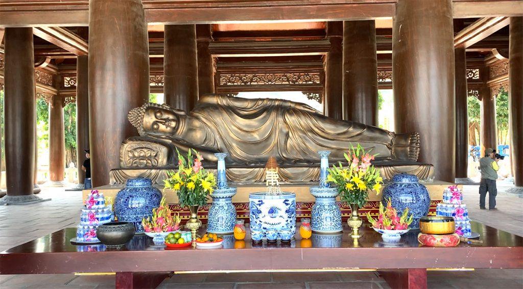 Phật nằm - Tam Chúc