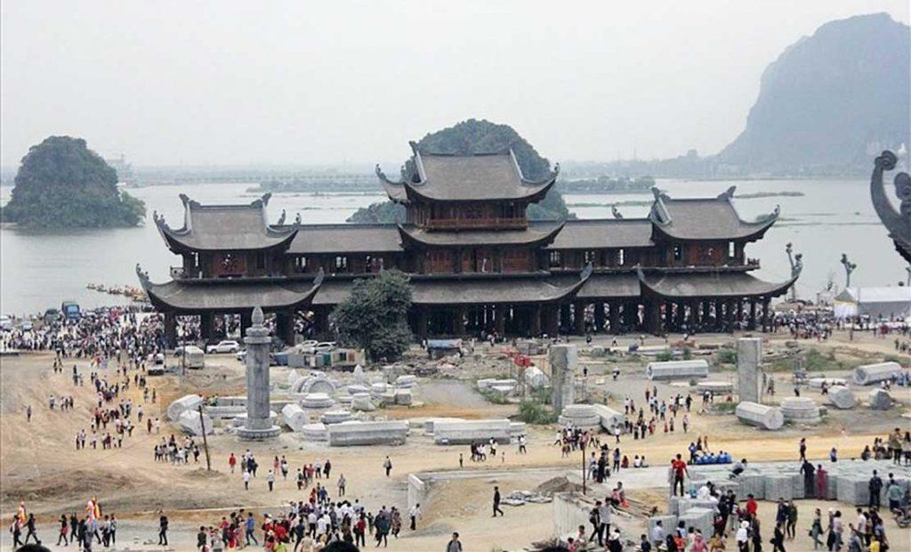 Cổng Tam Quan Chùa Tam Chúc