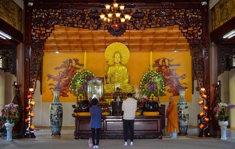 Chánh điện thiền viện Trúc Lâm Đà Lạt