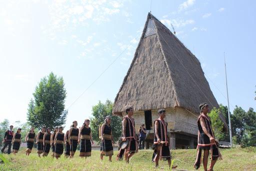 Khu làng văn hóa dân tộc Việt Nam